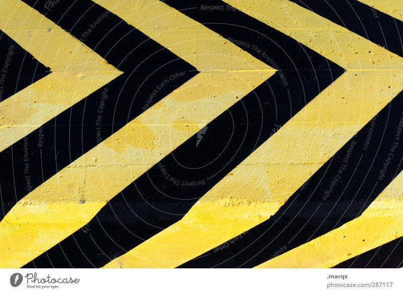 almost forward Style Transport Sign Signs and labeling Line Arrow Stripe Simple Yellow Black Colour Direction Illustration Background picture Colour photo