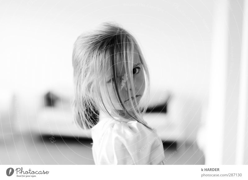 lucky streak ? Feminine Child Toddler Girl Infancy Head Hair and hairstyles Face 1 Human being 3 - 8 years Blonde Emotions Moody Dream Black & white photo