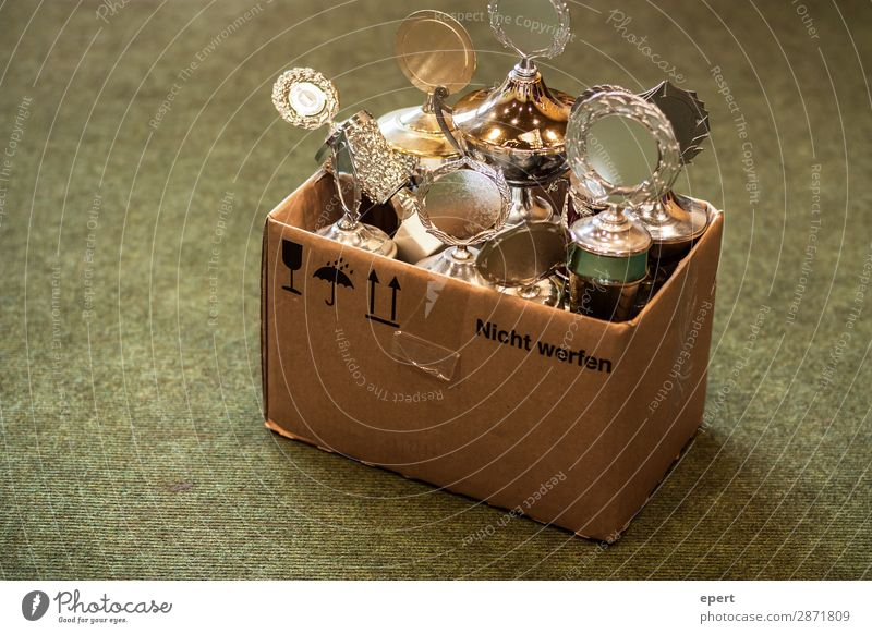 Do not throw Cup (trophy) Cardboard Dispose of Gold winners Loser competition Crate glorious