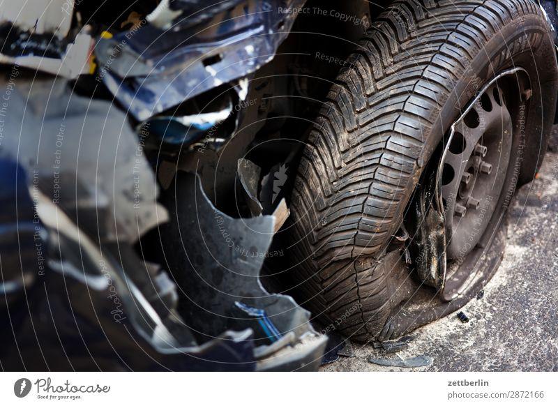 Broken dark blue car Tailgate accident Car Bulge Bodywork damage Traffic accident hull Damage to property Shard Street Total loss Accident Insurance Tire