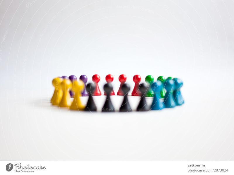 Six colours - 4900 photos Classification Multicoloured Versatile Colour Figure Structures and shapes Formation Multiple Group of animals Group of children