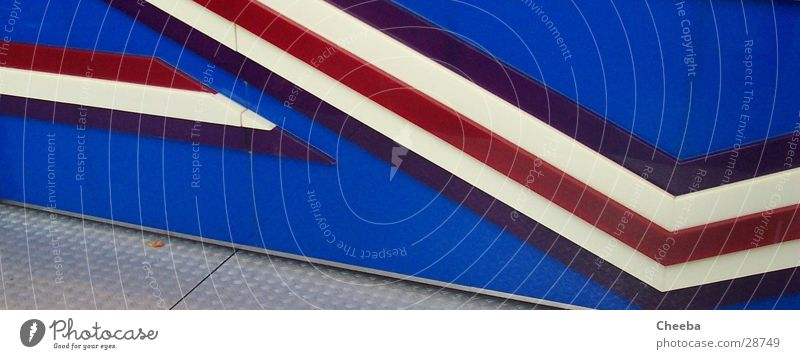 Blue White Red Line Flat (apartment) Stand Stripe Fairs & Carnivals Photographic technology Car race