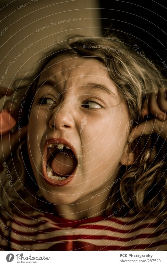Stop it! Stop it! Feminine Child Toddler Girl Sister Infancy Breathe Listening Scream Argument Threat Crazy Anger Emotions Dream Fear Horror Fear of death