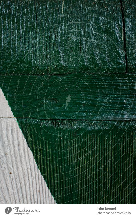 Old Green White Wood Contentment Esthetic Point Retro Sharp-edged Shutter Wood grain Precision Disciplined Triangle
