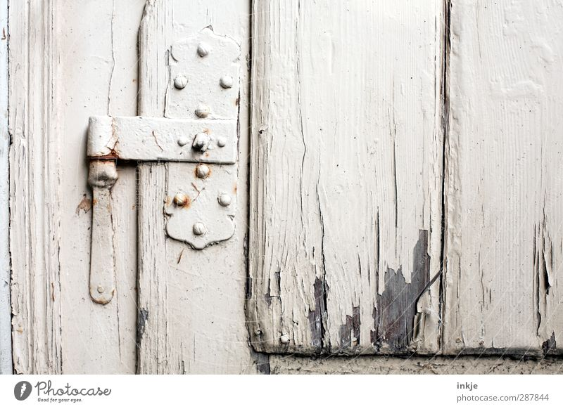 Old White Senior citizen Door Closed Living or residing Broken Change Transience Derelict Decline Flake off Weathered Hinge Wooden door Metal fitting