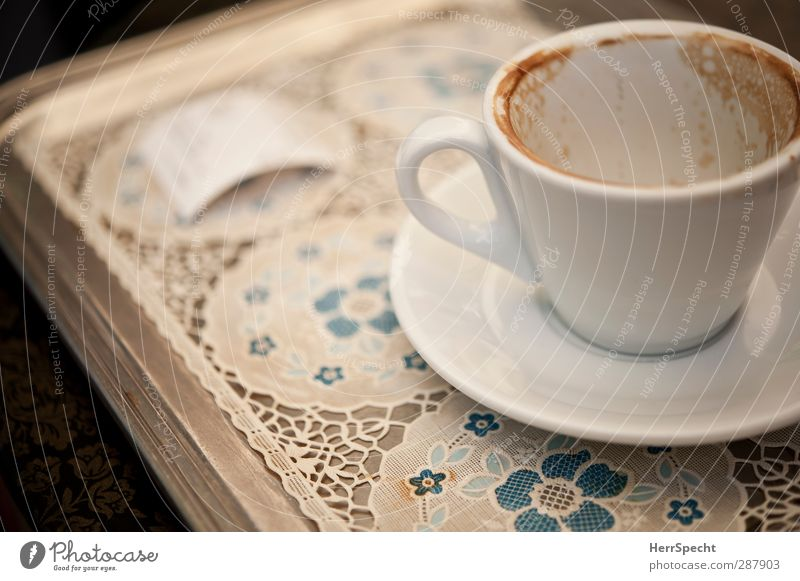 La pausa è finita Beverage Coffee Plate Cup Drinking Blue Gray White Coffee break Coffee cup To have a coffee Empty Receipt Tray Blanket Cappuccino Porcelain