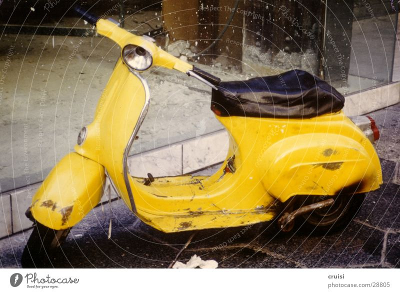 rust bucket Yellow Scooter The fifties Transport special Rust