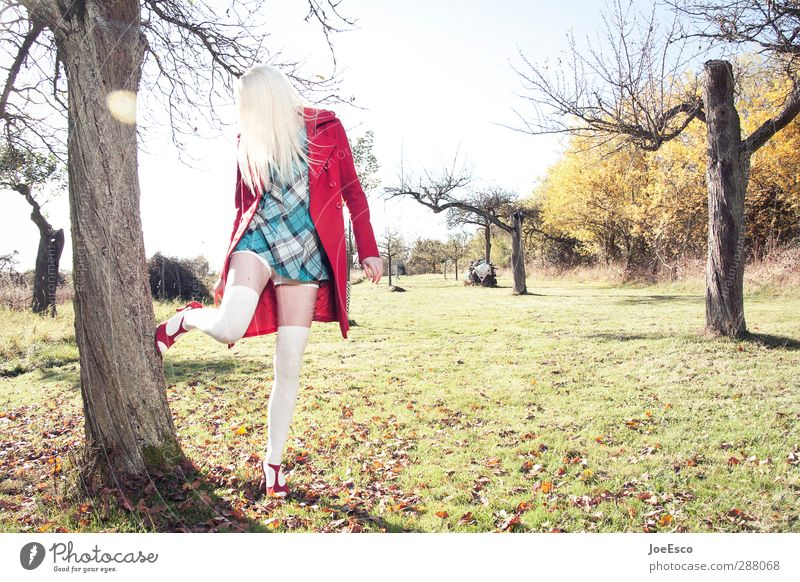 #246062 Lifestyle Leisure and hobbies Woman Adults 1 Human being 13 - 18 years Child Youth (Young adults) Nature Landscape Sky Horizon Tree Meadow Field Fashion