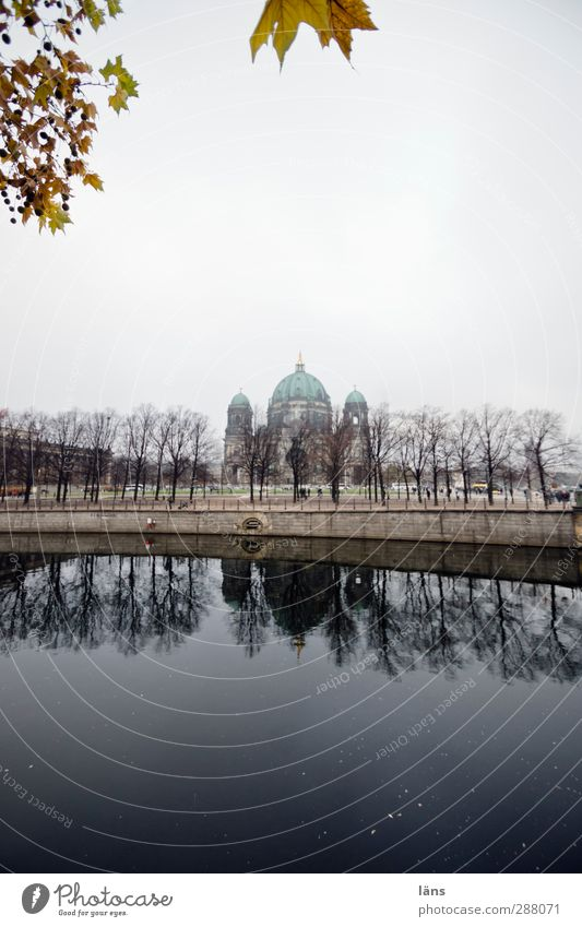 cathedral Dome Tourist Attraction Religion and faith Spree Autumn leaves Berlin Dominant Berlin Cathedral Colour photo Deserted Copy Space top Copy Space bottom