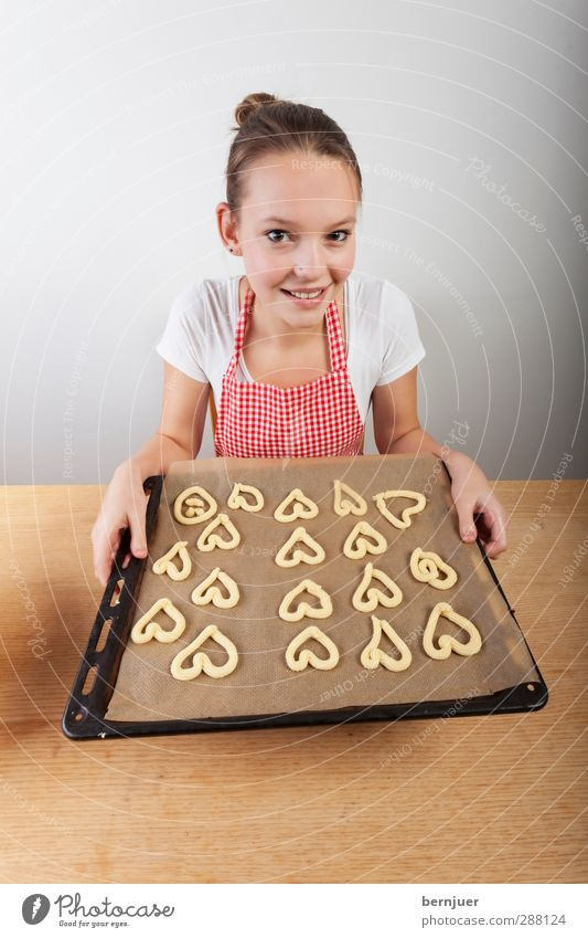 bakerman is baking bread Food Dough Baked goods Human being Feminine Young woman Youth (Young adults) 1 18 - 30 years Adults Uniqueness Cute Red White