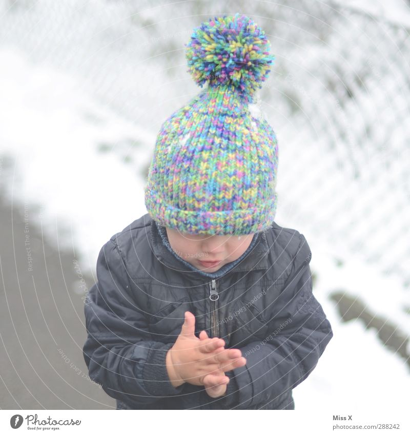 Human being Child Winter Cold Snow Ice Infancy Frost Toddler Cap Freeze 3 - 8 years Tuft Knitting pattern Winter clothing 1 - 3 years