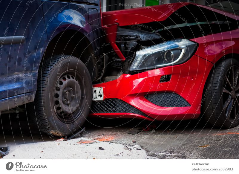 mishap Tailgate accident Car Bulge Bodywork damage Traffic accident hull Damage to property Shard Street Total loss Accident Insurance Insurance salesman