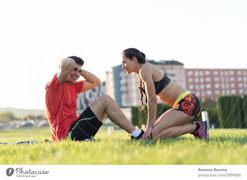 tRAINING OUTDOOR Sports Fitness Sports Training Sportsperson Human being Young woman Youth (Young adults) Young man Woman Adults Man Friendship Couple 2