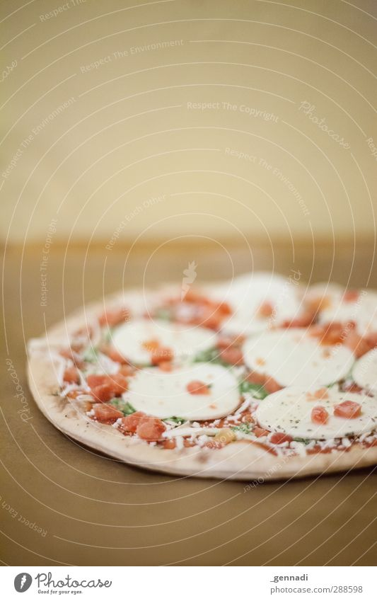 breakfast Pizza Mozzarella Nutrition Dinner Fast food Italian Food Fresh Delicious Brown Unhealthy Dough Food photograph Frozen foods Colour photo Interior shot
