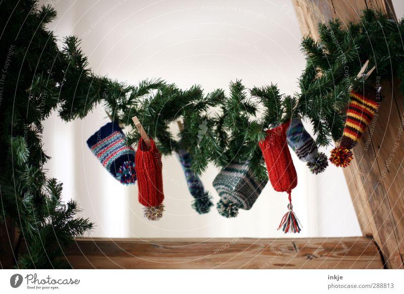 Wichtelpopichtel at home Lifestyle Joy Living or residing Decoration Christmas & Advent Fir branch Cap Woolen hat Bobble hat Paper chain Advent Calendar Goblin