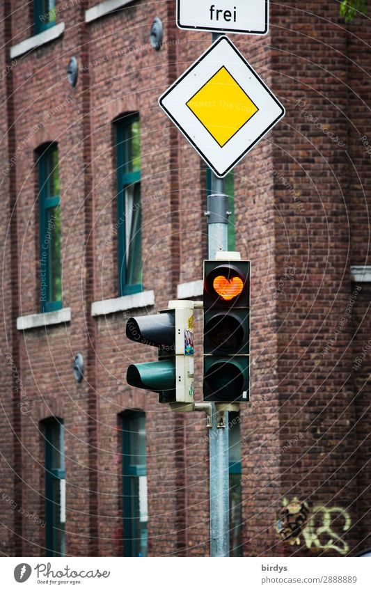 Free love has right of way Town House (Residential Structure) Facade Transport Road traffic Traffic light Road sign Sign Heart Illuminate Authentic Exceptional