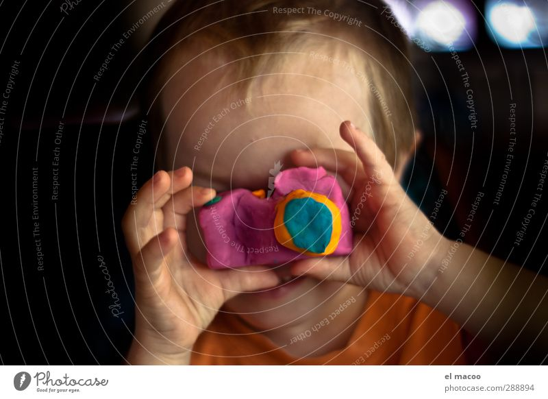 say cheese Playing Handicraft knead Children's room Camera Human being Masculine Infancy Head Face Fingers 1 1 - 3 years Toddler Observe Happy Uniqueness Funny