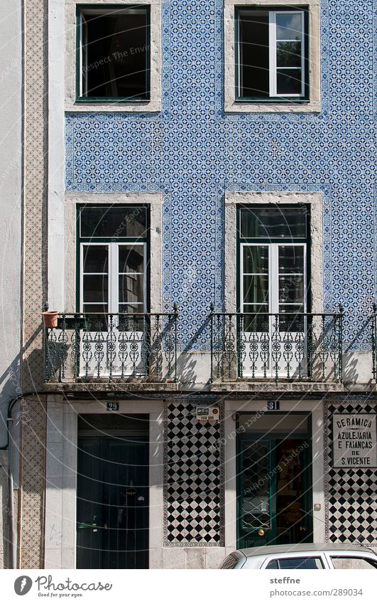 Blue House (Residential Structure) Window Street Wall (building) Life Wall (barrier) Facade Esthetic Capital city Tile Crucifix Old town Photos of everyday life
