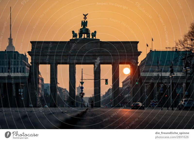 Morning sun in Berlin III Cloudless sky Sun Sunrise Sunset Sunlight Spring Beautiful weather Germany Europe Town Capital city Downtown Tourist Attraction