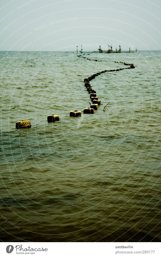 fish trap Work and employment Economy Environment Nature Water Sky Horizon Autumn Climate Climate change Weather Bad weather Waves Baltic Sea Ocean Dark
