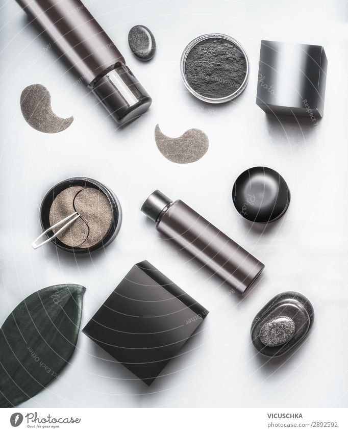 Black and brown cosmetic products Shopping Design Beautiful Cosmetics Background picture Blog Packaging Demand Store premises Examinations and Tests Skin care