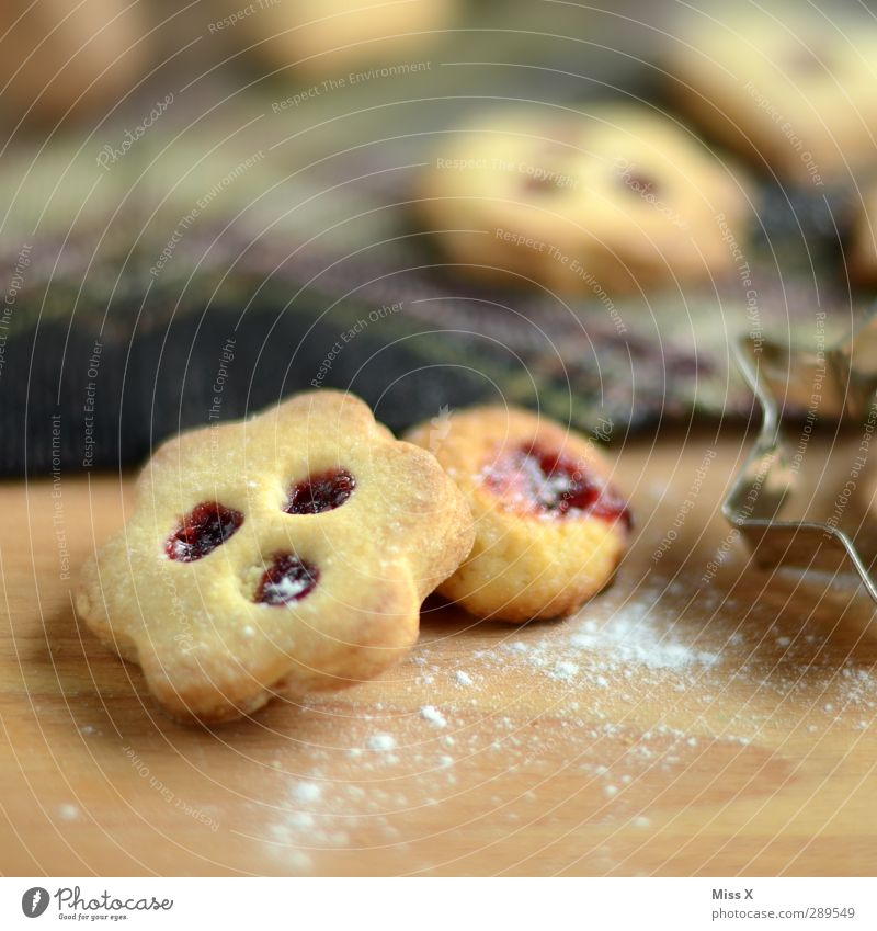 Christmas & Advent Food Nutrition Sweet Delicious Baked goods Dough Cookie Jam Christmas biscuit To have a coffee Confectioner`s sugar Baking tin