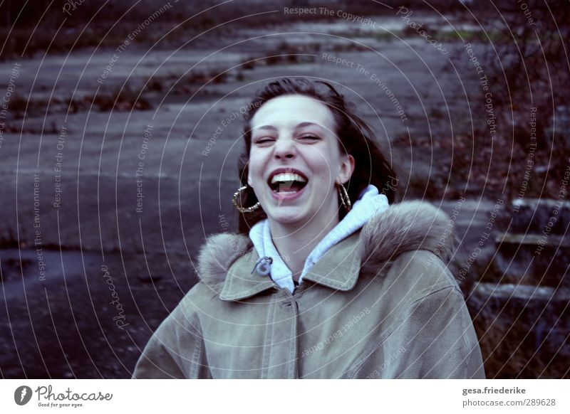 laughter Joy Happy Face Feminine Young woman Youth (Young adults) Teeth 1 Human being 18 - 30 years Adults Coat Pelt Jewellery Brunette Long-haired Curl