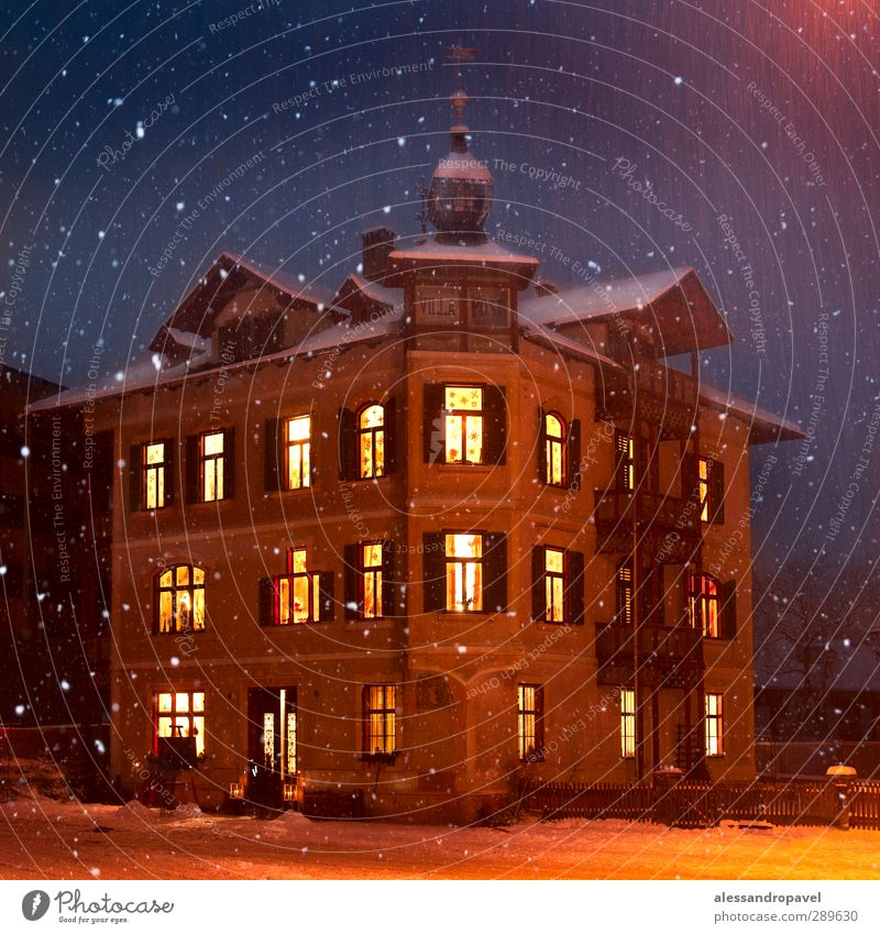 Doctor House House (Residential Structure) Sand Village Dream house Tourist Attraction Monument Emotions in christener Colour photo Exterior shot Night