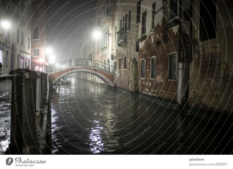 Without people Town Downtown Old town Deserted House (Residential Structure) Bridge Dark Venice Italy Water Channel Colour photo Exterior shot Night