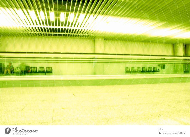 The Green Mile Majorca Moving pavement Escalator Chair Light Empty Aspire Long exposure Airport Seating Calm Bright