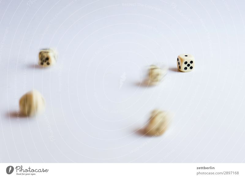 Five Turkish dice Movement Motion blur To fall Happy Game of chance Kniffel double Playing Statistics Shallow depth of field Blur likelihood Cube Dice Throw