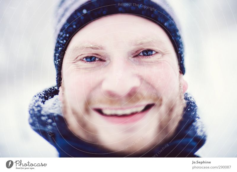 winter joy Lifestyle Joy Winter Snow Human being Masculine Man Adults Head 1 30 - 45 years Smiling Laughter Authentic Happiness Happy Positive Blue Contentment