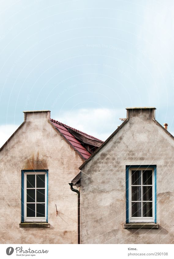Old couple Sky Small Town House (Residential Structure) Detached house Building Wall (barrier) Wall (building) Facade Window Roof Eaves Chimney Historic Trashy