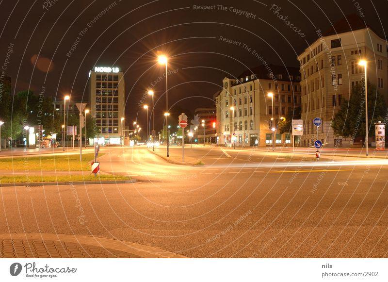 Aegi Nightshot 1 Gate of Aegis Hannover Long exposure Town Downtown Mixture