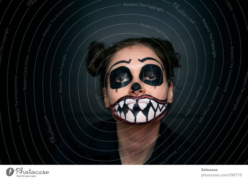 To eat with pleasure Hair and hairstyles Skin Face Cosmetics Cream Make-up Lipstick Feasts & Celebrations Carnival Hallowe'en Human being Feminine Woman Adults