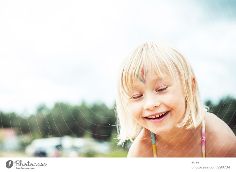 Human being Child Beautiful Summer Girl Face Feminine Laughter Hair and hairstyles Funny Happy Small Head Infancy Blonde Leisure and hobbies