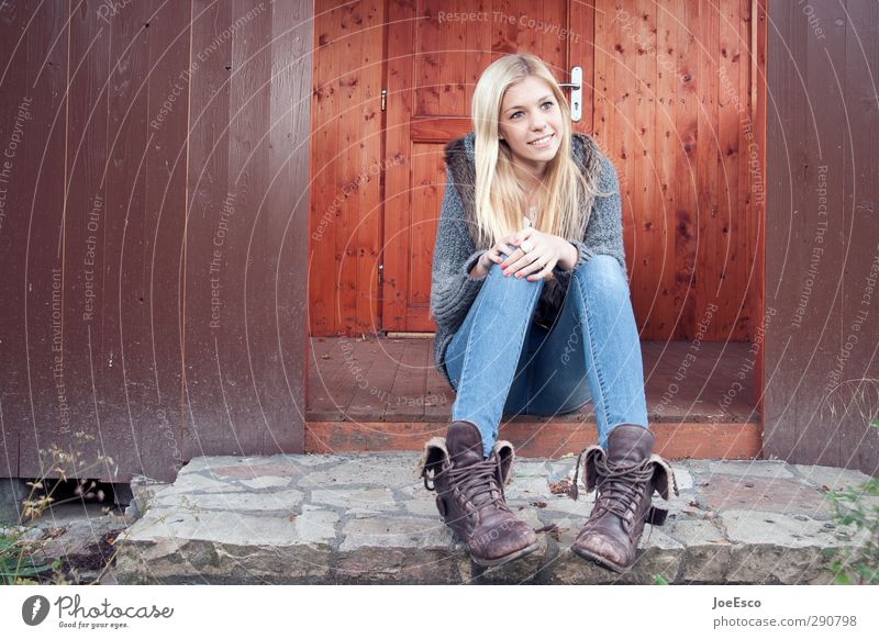 #245874 Lifestyle Leisure and hobbies Living or residing Young woman Youth (Young adults) Woman Adults 1 Human being Fashion Jeans Boots Blonde Relaxation