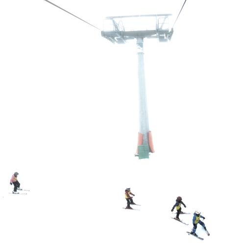 Human being Child Vacation & Travel White Winter Mountain Snow Sports Group Metal Together Infancy Leisure and hobbies Rope Fitness Group of children