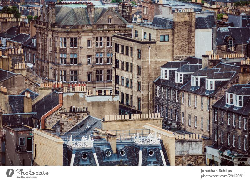 View of houses in Edinburgh Tourism Town Populated Overpopulated House (Residential Structure) Manmade structures Building Architecture Facade Roof Chimney