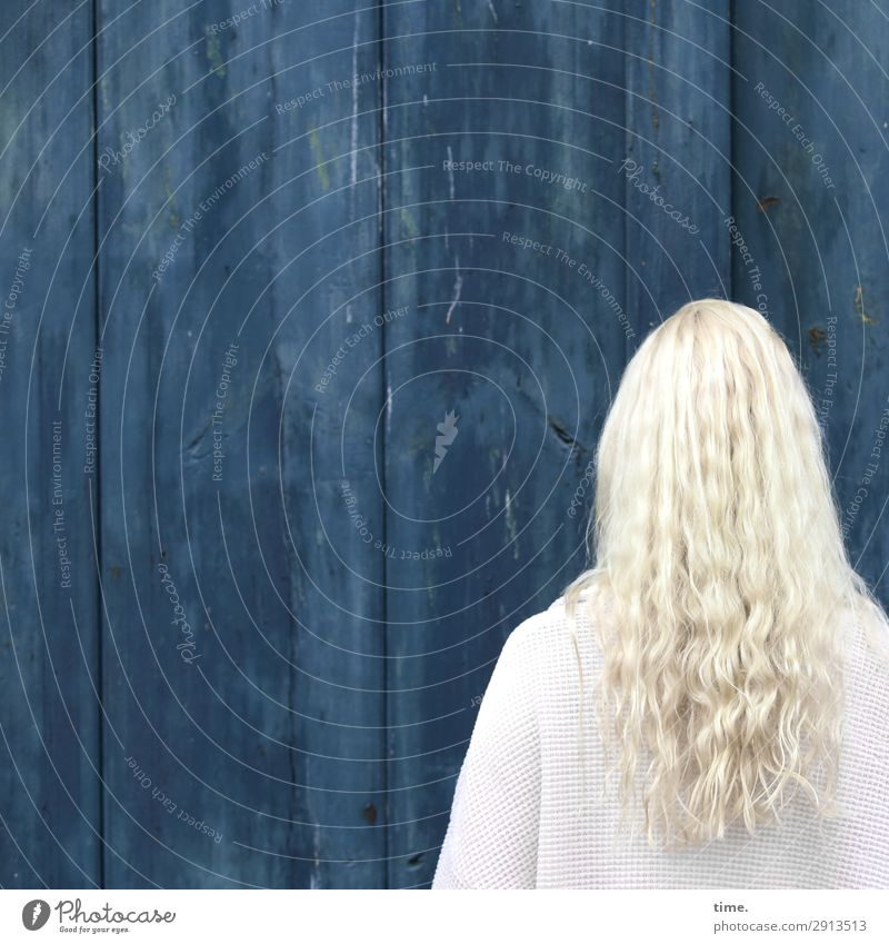 blue & blonde Feminine Woman Adults Head Hair and hairstyles 1 Human being Wall (barrier) Wall (building) Jacket Blonde Long-haired Curl Line Stripe Stand Blue