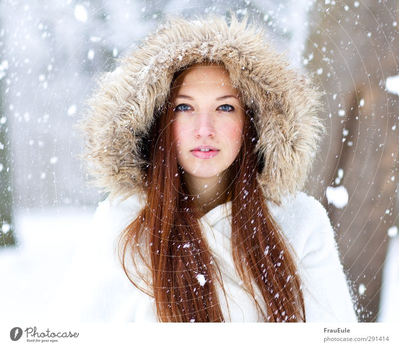molten soul Feminine Young woman Youth (Young adults) 1 Human being 18 - 30 years Adults Winter Ice Frost Snow Snowfall Jacket Coat Fur coat Pelt Cap Brunette