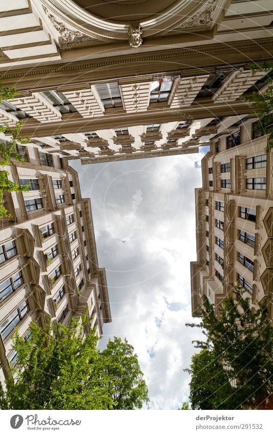 Sky Clouds House (Residential Structure) Window Architecture Building Facade Manmade structures Concentrate Downtown Tradition Capital city Backyard Symmetry