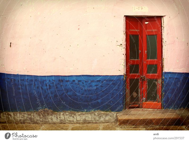Blue Vacation & Travel Old Red House (Residential Structure) Far-off places Wall (building) Architecture Wall (barrier) Building Door Tourism Living or residing Esthetic Retro Culture