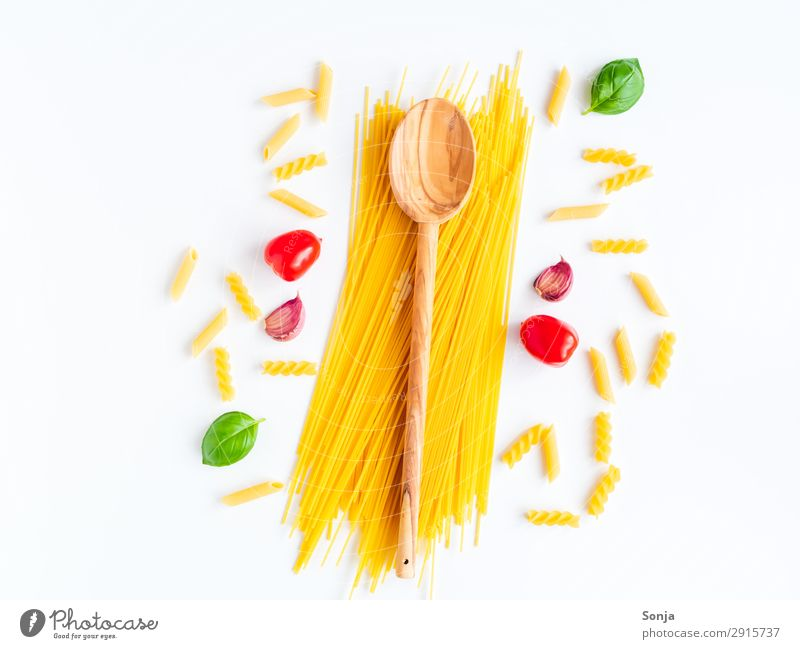 Italian cuisine Food Vegetable Dough Baked goods Herbs and spices Spaghetti Tomato Garlic Basil Nutrition Lunch Organic produce Vegetarian diet Italian Food