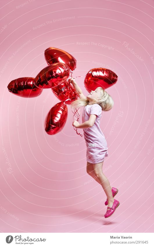 air kiss Happy Valentine's Day Mother's Day Feminine Child Girl Infancy 1 Human being 3 - 8 years Dress Blonde Long-haired Balloon Heart Movement Flying Smiling