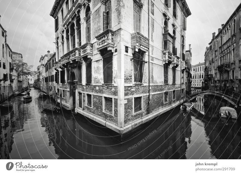 built close to the water Water Coast Ocean Island Venice Italy Town Old town Palace Manmade structures Architecture palazzo Facade Landmark water taxi
