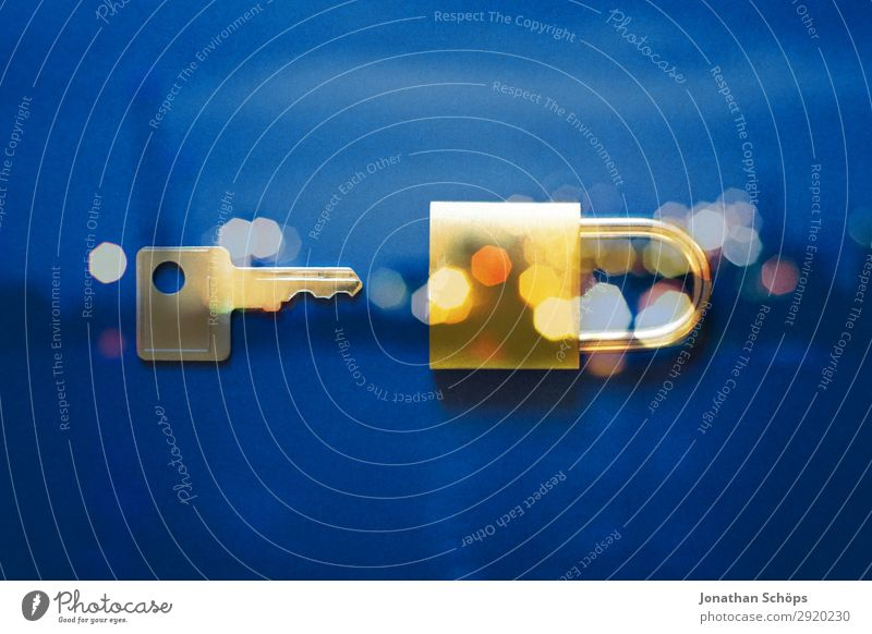 Lock and key as a symbol for data protection Data protection Data storage Data transfer DSGVO Encrypted Europe Laws and Regulations Password Private sphere