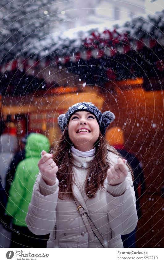 Human being Woman Youth (Young adults) Christmas & Advent Beautiful Joy Winter Young woman Adults Feminine Laughter 18 - 30 years Lighting Snowfall