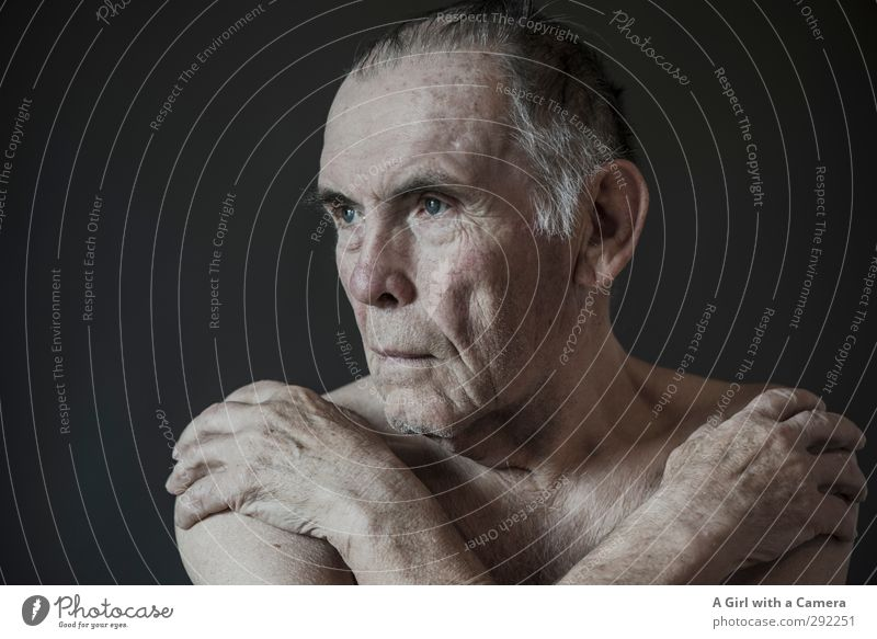 . Human being Masculine Man Adults Male senior Grandfather Senior citizen 1 60 years and older Old Naked Brave Cold Subdued colour Interior shot Studio shot
