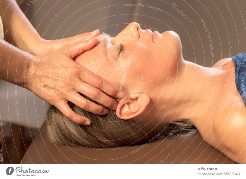 Forehead massage, relaxation, recreation, Healthy Health care Medical treatment Wellness Harmonious Well-being Contentment Relaxation Calm Cure Spa Massage
